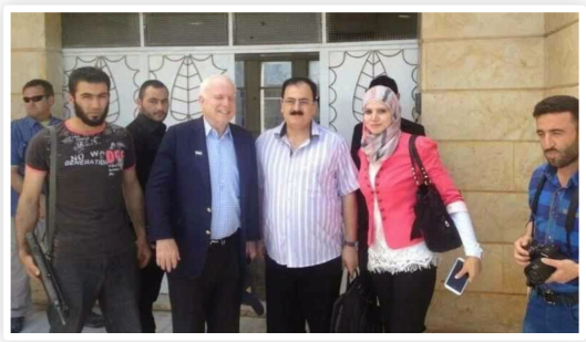 John MacCain and Simon Elliot / Al Baghdadi, two rats of Rothschild's Einsatzgruppen (behind McCain's back) ---------- Две крысы Einsatzgruppen Ротшильдов -- Джон Маккейн и Симон Эллиот / Аль-Багдади (за спиной Маккейна).