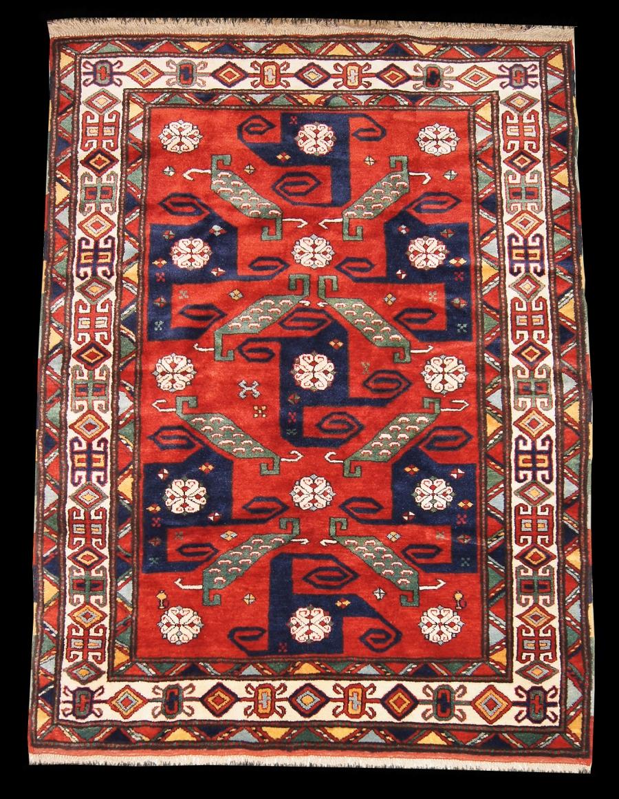 Кавказский Свастичный ковер из города