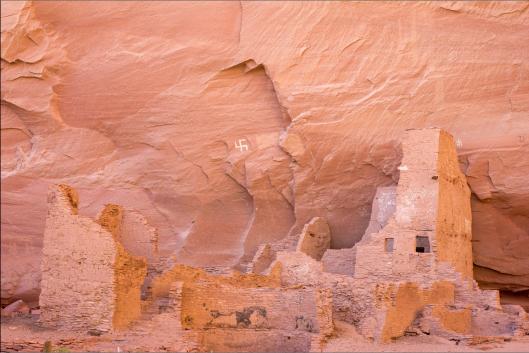 Итак, монголоиды не строили каменных городов после того, как мы ушли. Более того, они даже не заселили те каменные города, которые мы оставили. Так же, они не продолжили ни одну черту нашей культуры, более сложное, чем простое выращивание овощей на скудной земле, которое уже не требовало ирригации (монголоиды не смогли продолжать рыть каналы). Они поистине стали