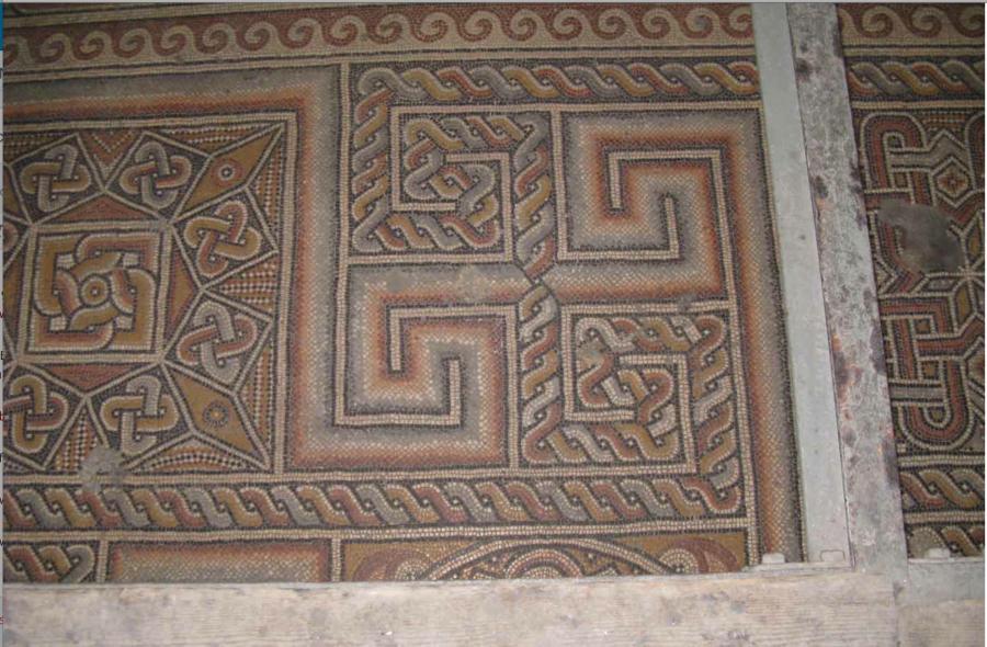 Мозаика на полу храма Рождества Христова времен святой Равноапостольной Императрицы Елены.
