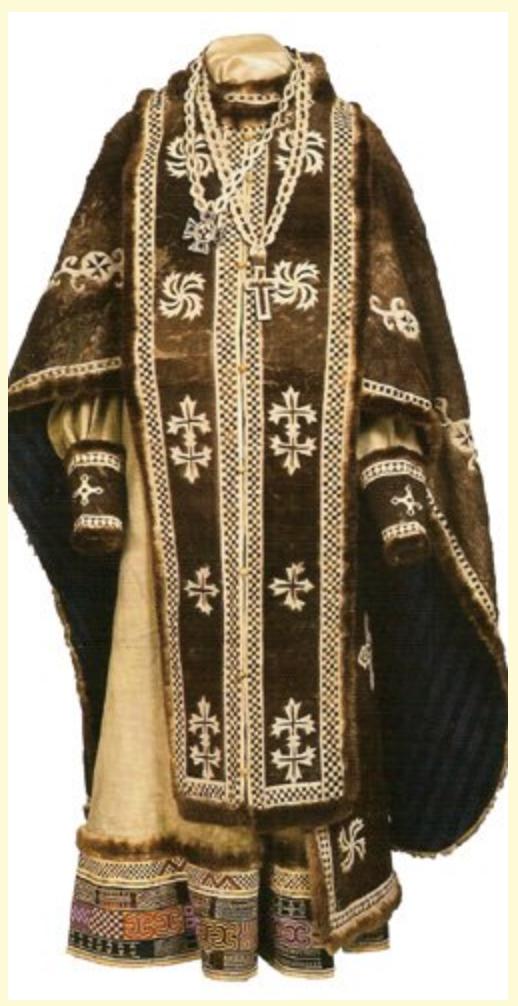 В тысячелетней Римской Империи Византии, а затем у южных славян и на Руси свастики вышивались на епитрахилях. Возлагая на себя эту часть облачения, православный архиерей или священник должен произносить «Благословен Бог, изливаяй благодать Свою на священники Своя», ибо епитрахиль обозначает «сверху от головы сходящую благодать».