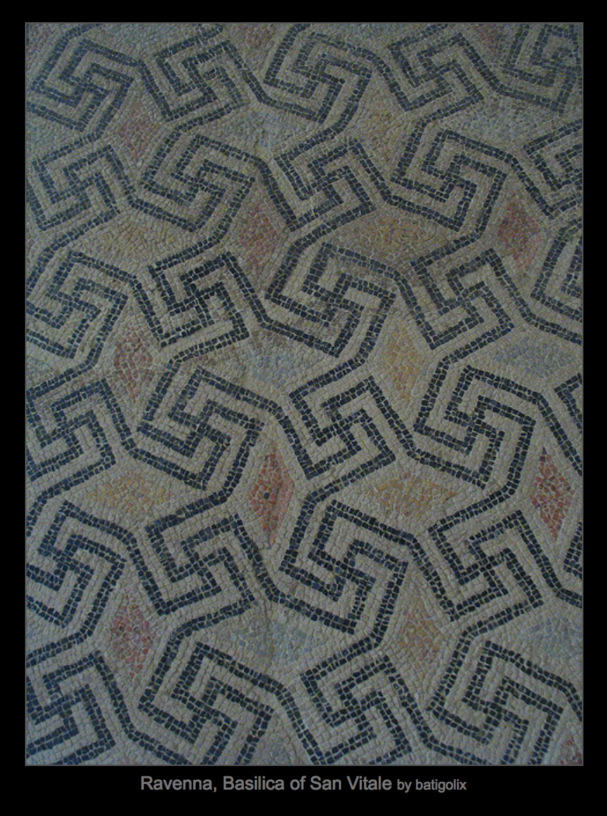 Гаммадион на мозаичном полу в Базилике Святого Виталия, Равенна.