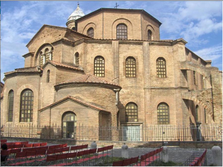 Базилике Святого Духа, Равенна (526-547 н.э.).