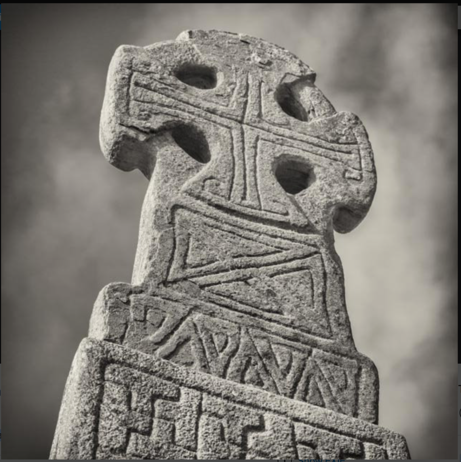 Gammadion on the Celtic cross near Carew Castle, early Middle Ages.